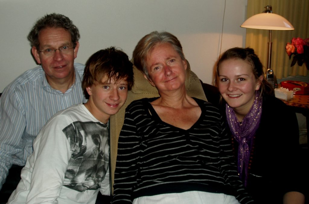 Living with ALS - Jeanet van der Vlist with her family